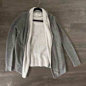 Abercrombie and Finch two-tone gray front cardigan